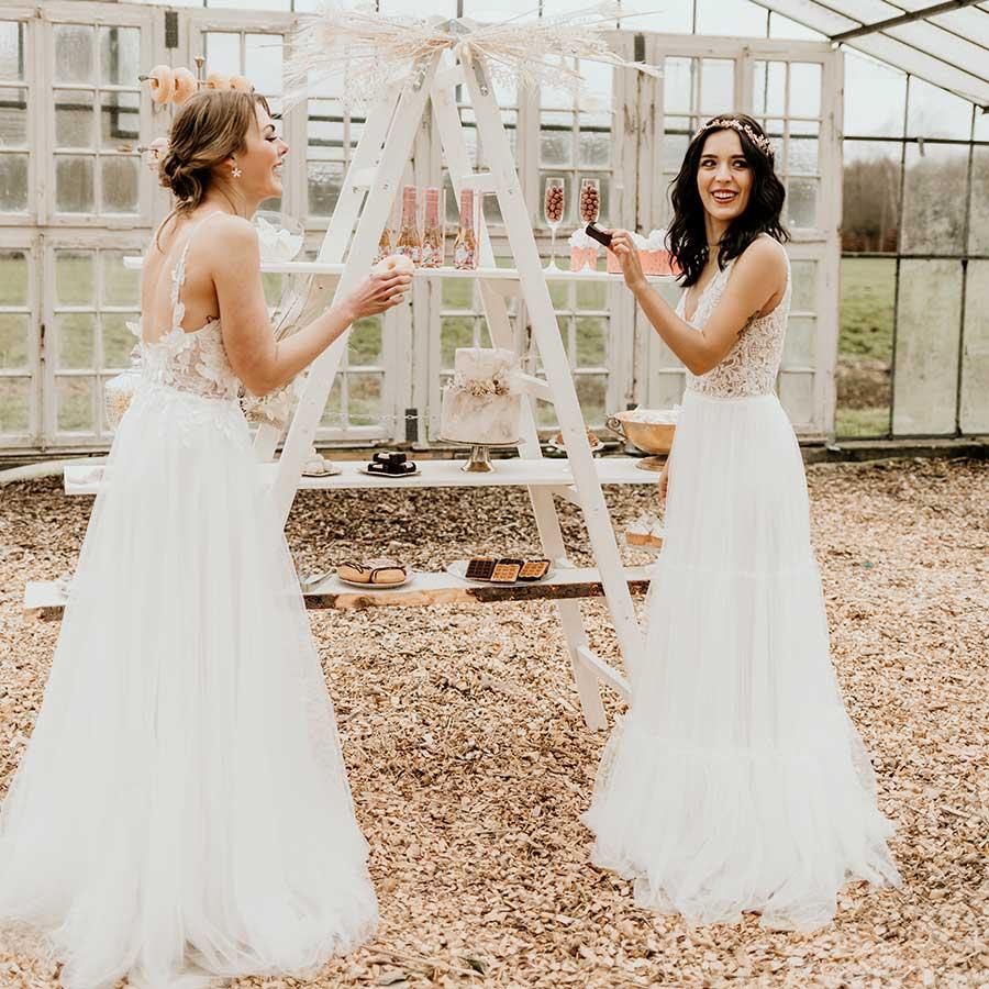 beste Freundinnen auf der Hochzeit